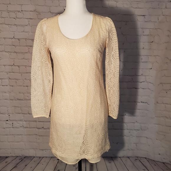 Cream lace long sleeve shift dress